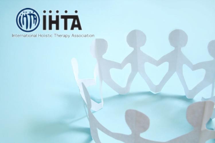 IHTA認定のヨガインストラクターになるには?そもそもIHTAとは何かから解説