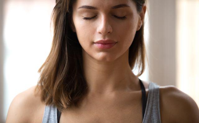 ヨガの呼吸法を正しく行う効果とは?