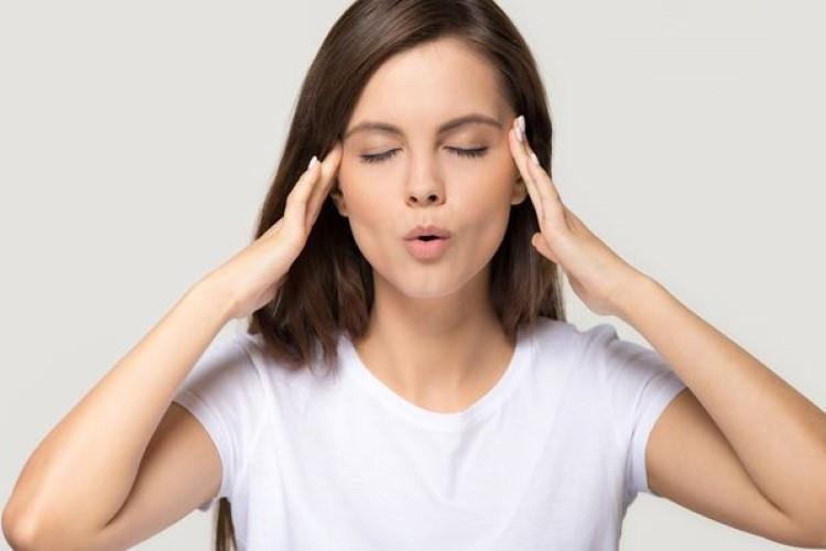 自律神経を整え、心を落ち着かせる呼吸法3選