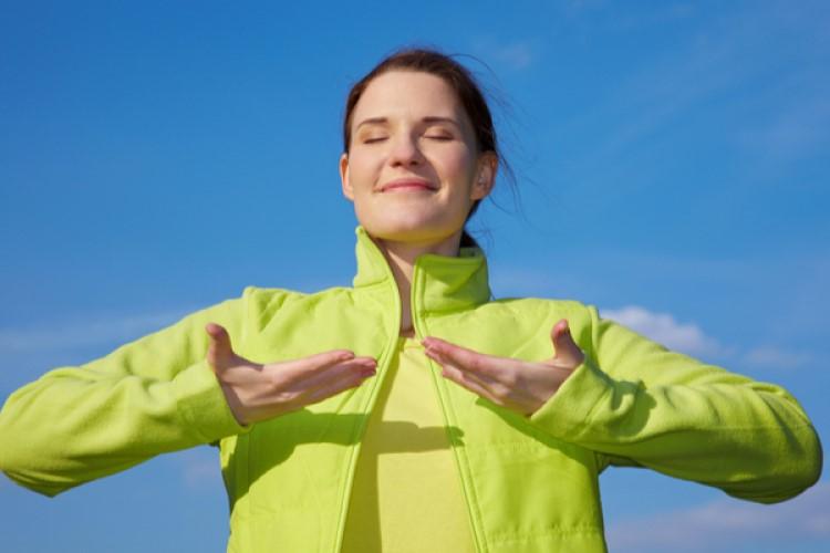 ダイエット中のヨガの呼吸法の効果とおすすめ3選